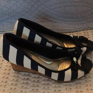 Navy and white striped wedges